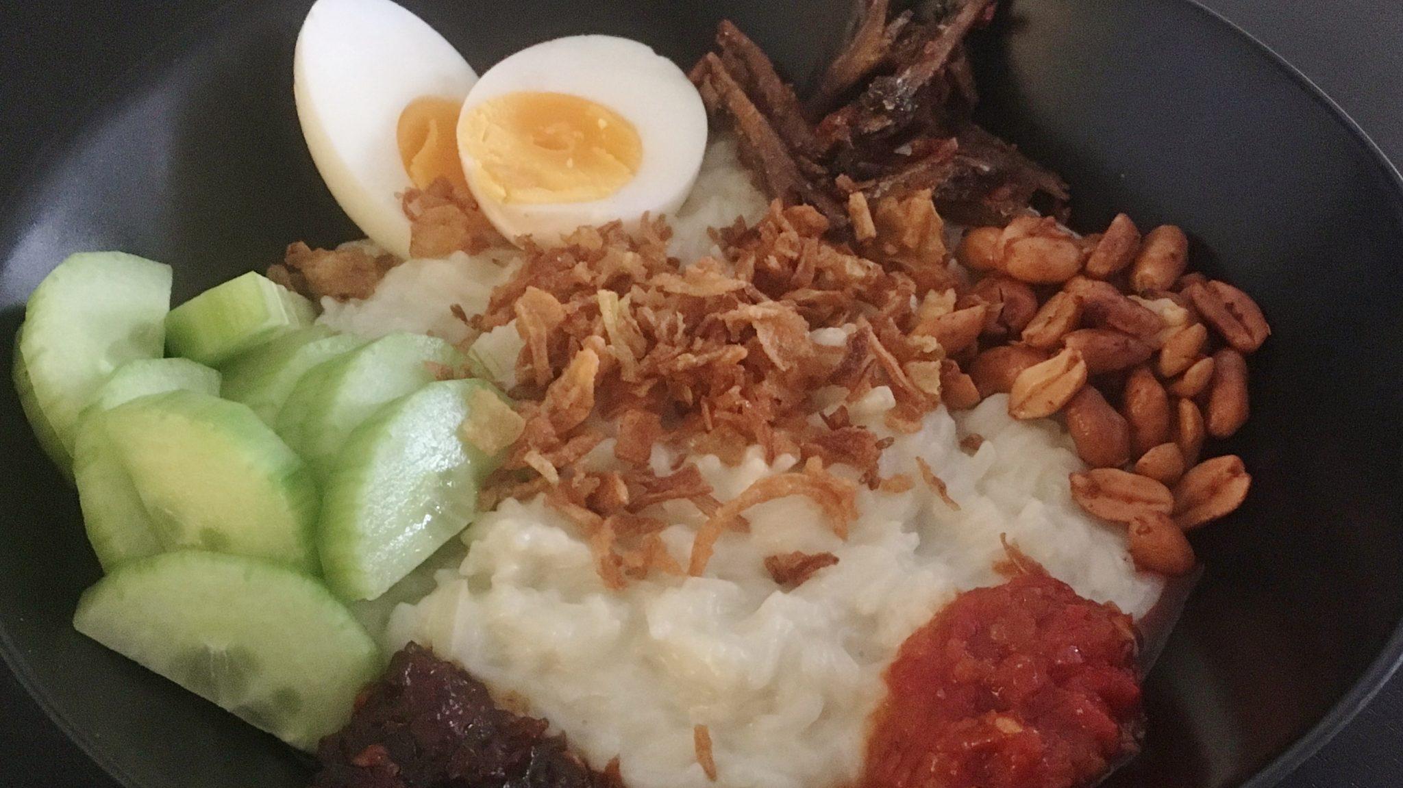 Nasi lemak, razend populaire ontbijtrijst uit Maleisië