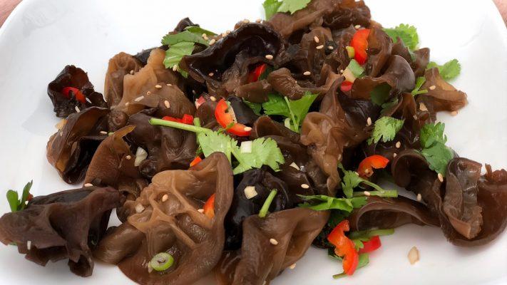 Chinese paddenstoelensalade met frisse dressing