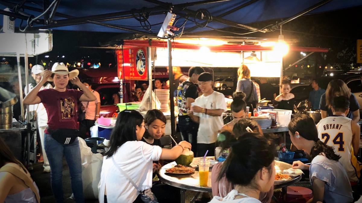 Street food bij Chang Phuak Gate Market (Chiang Mai)