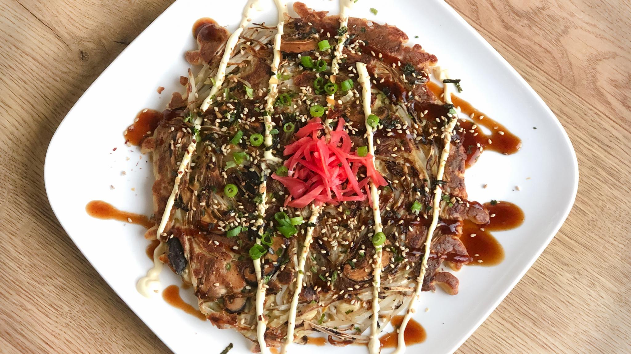 Vegetarische okonomiyaki: hartige Japanse pannenkoek