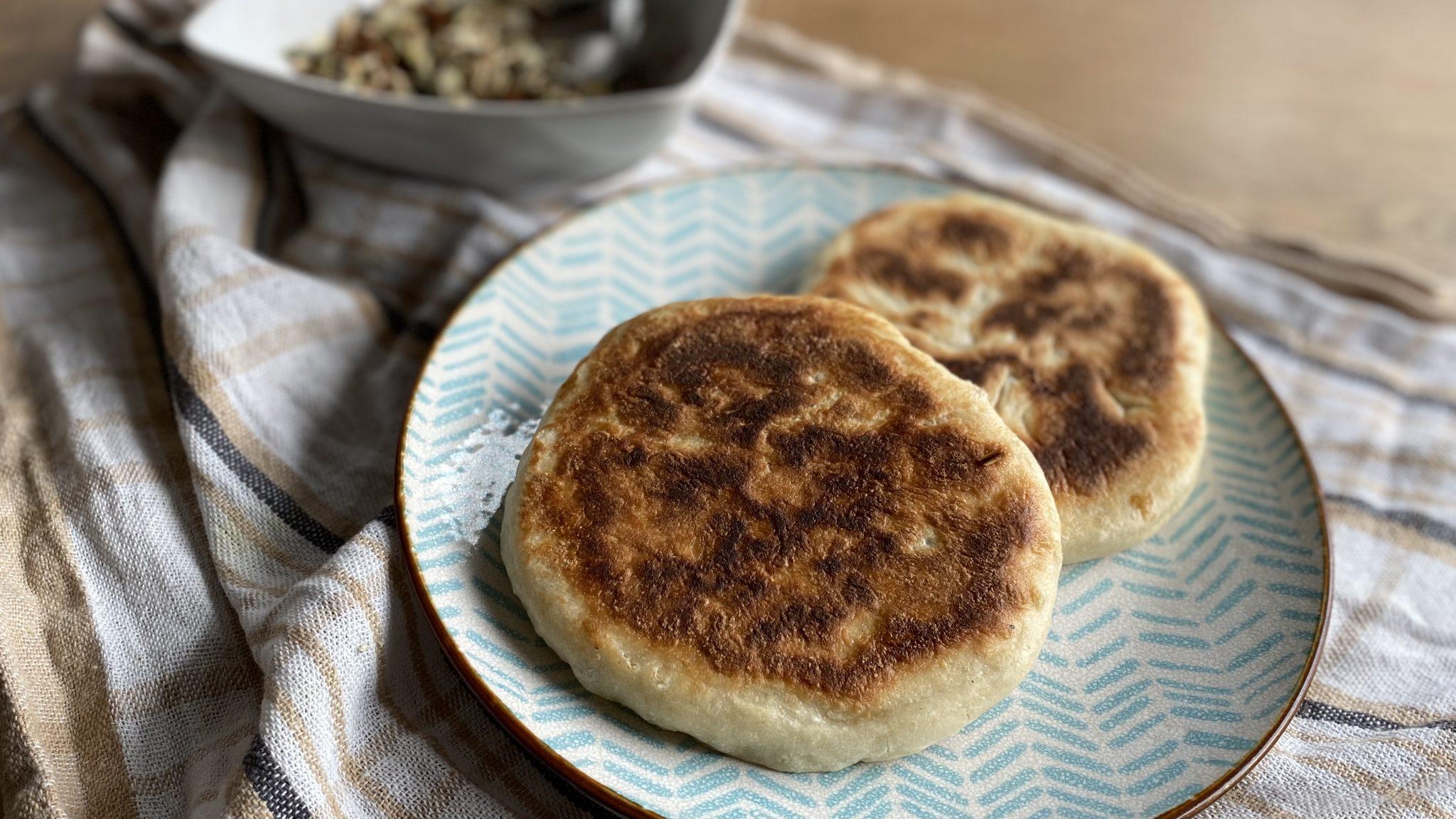 Hotteok: Koreaanse pannenkoek met bruine suiker, kaneel en zaden